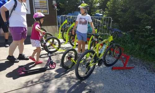 Výlety na kole nebo koloběžce